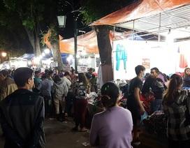 Chuyển lạnh, quần áo rét giá rẻ thu hút người tiêu dùng Hà Nội