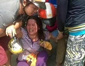 Con gái khóc ngất khi thấy bố mẹ chết thảm dưới gầm xe tải