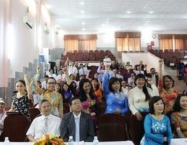 Đồng loạt giơ tay xin hứa phục vụ bệnh nhân tốt hơn!