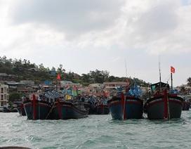 Nỗ lực tìm 5 ngư dân bám thuyền thúng sau khi tàu bị đâm chìm ở Hoàng Sa
