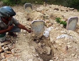 """Hơn 100 ngôi mộ """"biến mất"""" được di dời về gần gia đình"""