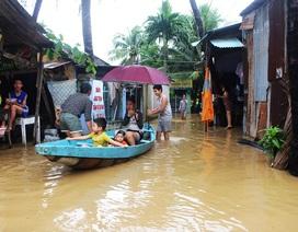 Người dân ven con sông lớn nhất Khánh Hòa nháo nhào chạy lũ