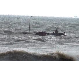 2 tàu cá bị sóng đánh chìm, 7 thuyền viên mất tích
