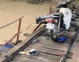 Tai nạn trên cầu phao, 2 người chết và mất tích