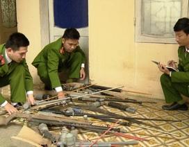 Người dân giao nộp hơn 200 khẩu súng
