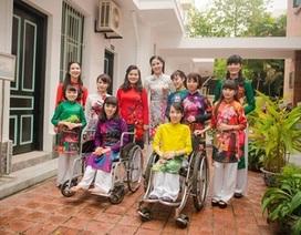 """Tâm sự của những """"người mẫu"""" khuyết tật lần đầu lên sàn catwalk"""
