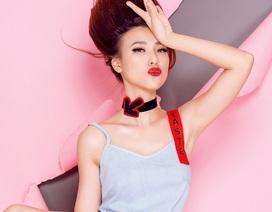 """Học Á hậu Hoàng Oanh """"nổi loạn"""" cùng thời trang pop- art"""