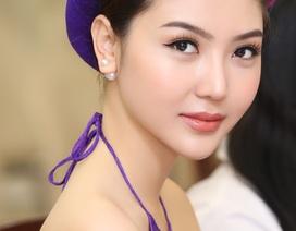 Hoa hậu Ngọc Duyên mặc áo yếm gợi cảm đọ dáng cùng dàn mẫu