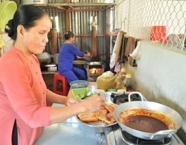 Chung tay lập bếp ăn miễn phí giúp học trò nghèo