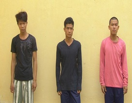 3 thanh niên nhậu say ra đường chặn xe, chống người thi hành công vụ