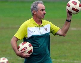HLV Alfred Riedl trở lại dẫn dắt đội tuyển Indonesia