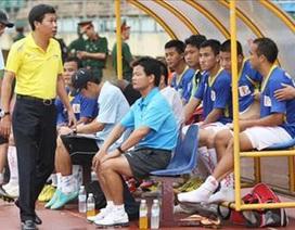 V.Ninh Bình bỏ giải vì cầu thủ bán độ: Cả làng rủ nhau... sai luật