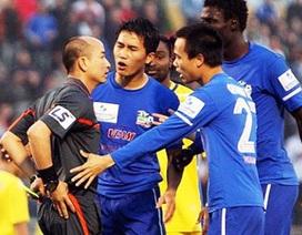 Nghịch lý trọng tài nội ở bóng đá Việt Nam