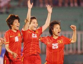 Bóng đá nữ Việt Nam: Mong cho chân cứng đá mềm