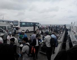 """Ba tàu khởi hành """"giải cứu"""" hành khách mắc kẹt tại Phú Quốc"""