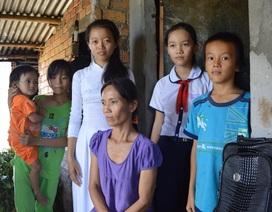 Cảm phục niềm say mê học tập của hai chị em nghèo khó