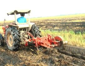 """Anh nông dân chế máy đắp bờ khiến nhà nông """"thích mê"""""""