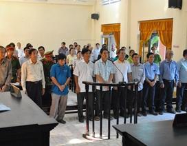 Nhiều bị cáo chối tội, TAND Kiên Giang chưa thể kết tội 10 cán bộ hải quan