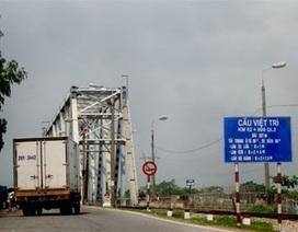 Yêu cầu tái lưu thông cầu Việt Trì, không buộc dân nộp phí đi cầu mới