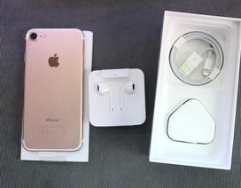 Cặp đôi iPhone 7 và 7 Plus bị đẩy giá ngất ngưởng trong ngày đầu mở bán