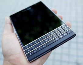 """Blackberry Passport phiên bản Qwerty """"sập giá"""" về Việt Nam"""