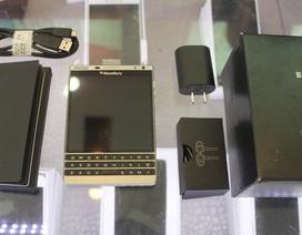 Blackberry Passport Silver xách tay giá rẻ tấn công thị trường Việt