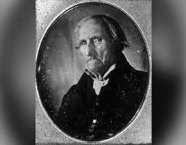 Ai là người đầu tiên được chụp ảnh chân dung trong lịch sử?