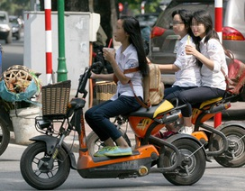 Bộ Tài chính đề xuất quản chặt xe máy điện