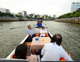 """Ngồi thuyền uống cà phê, ngắm cảnh trên """"dòng kênh chết"""" năm xưa"""