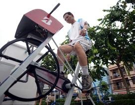 """Thích thú """"đạp xe lọc nước"""" bên dòng kênh Nhiêu Lộc"""