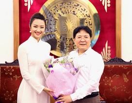 """""""Hoa hậu Bản sắc Việt cần tỏa sáng nét đẹp chứ không chỉ chăm đi sự kiện…"""""""