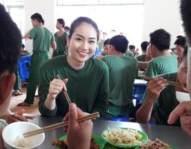 Xuân Bắc xúc động trước hành động của thí sinh Hoa hậu tại Côn Đảo