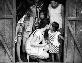 """""""Cô gái vàng"""" của Hoa hậu Việt Nam trở lại Tây Nguyên"""
