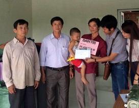 Trao hơn 36 triệu đồng đến bé Dương Minh Tuệ