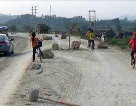 Dự án dở dang, quốc lộ 8A trở thành nỗi thống khổ của người dân