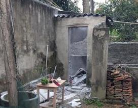 Nam thanh niên dùng bình gas tự thiêu trong nhà vệ sinh