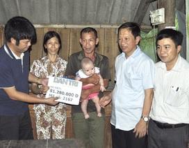 Trao hơn 81 triệu đồng đến bé gái 3 tháng tuổi bị bỏ rơi