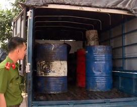 Gom hơn 600 lít dầu ăn đã qua sử dụng đưa ra Hà Nội tái chế