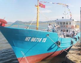 Tàu cá vỏ thép đầu tiên chuẩn bị ra khơi