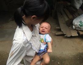 Bố mẹ nghèo mơ có 40 triệu đồng mổ tim cho con mới 4 tháng tuổi