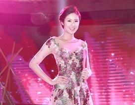 Màn trình diễn trang phục dạ hội của thí sinh Hoa hậu Việt Nam 2014
