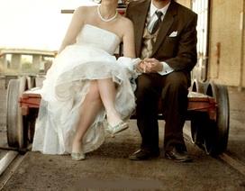 Chiếc váy cưới 60 năm tuổi gây sốt