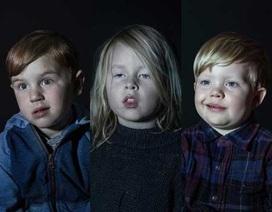 """Hình ảnh những đứa trẻ thời @ bị """"thôi miên"""" trước màn hình TV"""