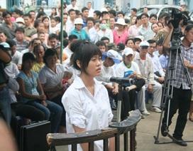 Thiếu nữ tát cảnh sát giao thông được giảm án