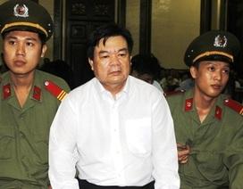 Chủ tịch huyện Hóc Môn nhận hối lộ không mời luật sư