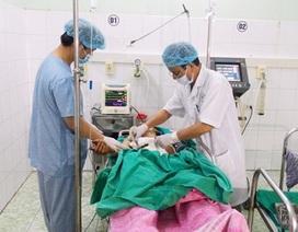 Bệnh nhân bị hơn 20 viên đạn súng hơi găm vào ngực