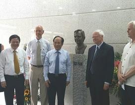 Khánh thành tượng cố Thủ tướng Thụy Điển Olof Palme  tại BV Nhi Trung ương