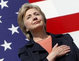 Bà Hillary hứa giải mã bí ẩn tại căn cứ quân sự tối mật của Mỹ