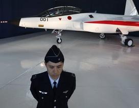Nhật Bản ra mắt chiến đấu cơ tàng hình đầu tiên