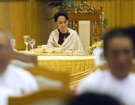 Bà Suu Kyi sẽ điều hành chính phủ Myanmar dù không làm tổng thống